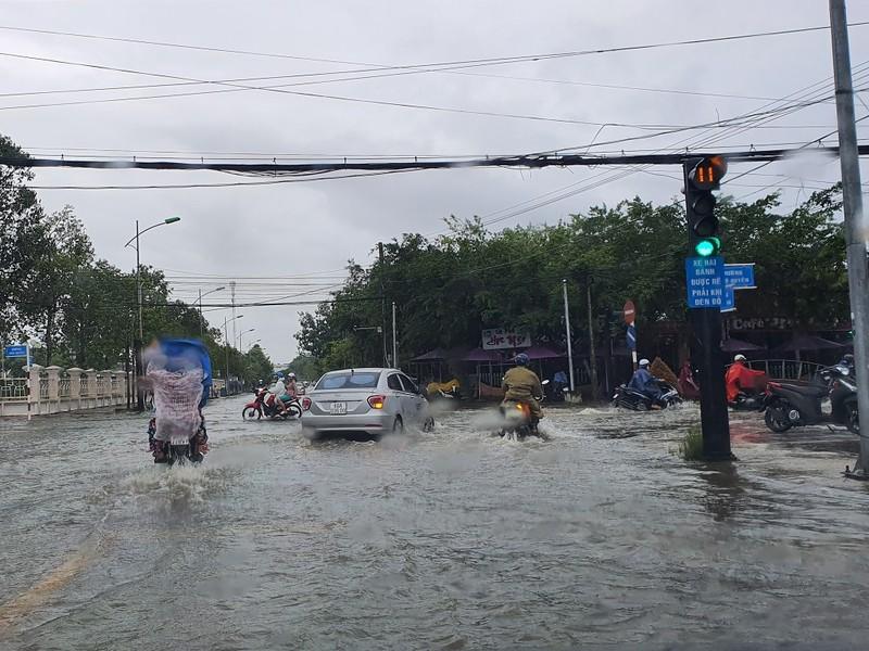 Mưa dầm, đường nội ô TP Cà Mau hư hỏng nặng - ảnh 3