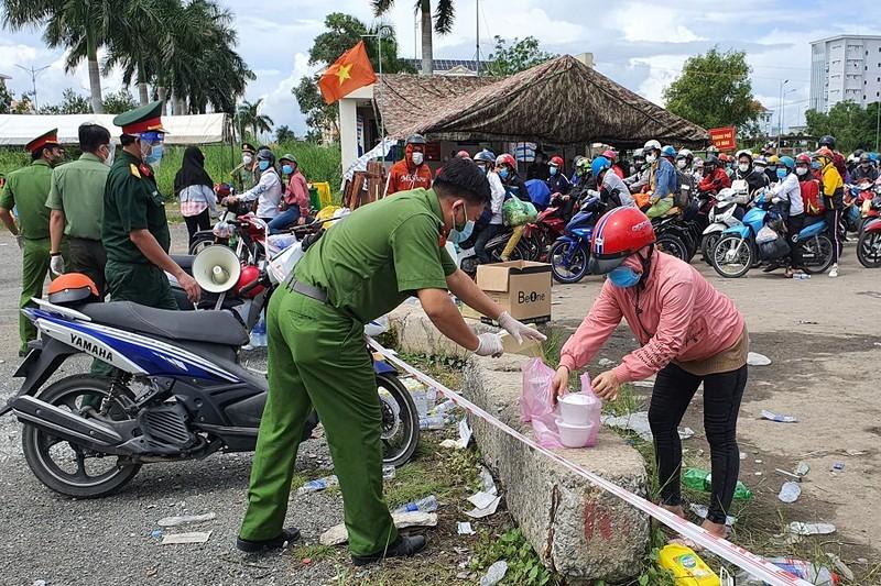 13.000 người đã về Cà Mau, không ai tách, trốn khỏi đoàn - ảnh 1
