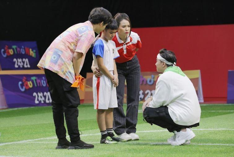 Sam và ST Sơn Thạch tặng 20 triệu đồng cho cầu thủ nhí có hoàn cảnh khó khăn - ảnh 8